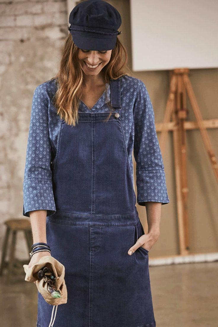 Jeanskleid Mit Latzträgern Und Knopfleiste In 2020  Jeans