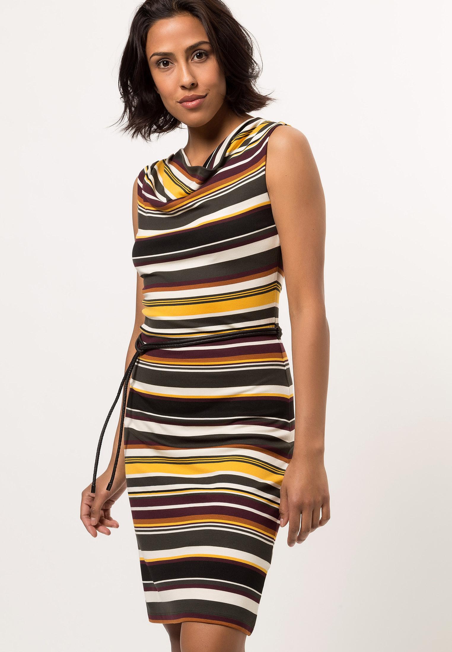 Jerseykleid Mit Bunten Streifen  Kleider / Jumpsuits
