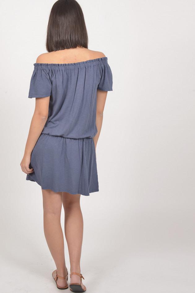 Juvia Kleid Mit Carmenausschnitt In Blau  Gruenerat