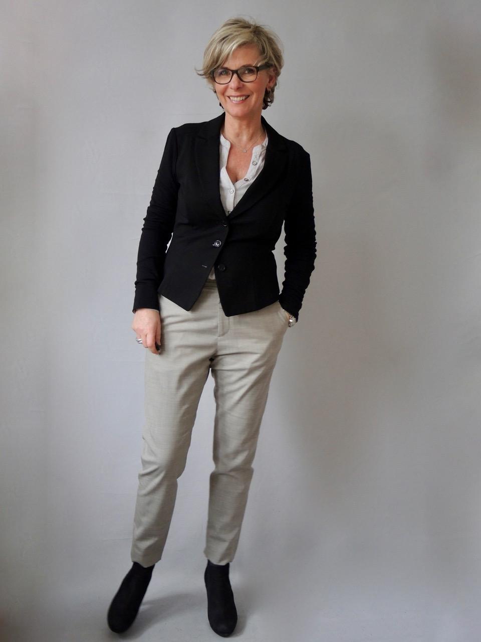 Kaffeepause Alltagstaugliche Büro  Outfits  Women2Style