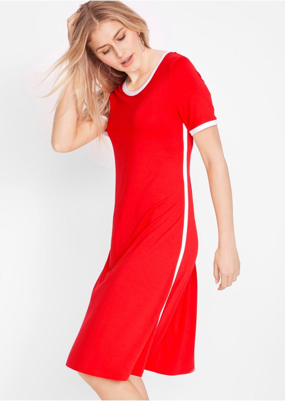 Kaschierendes Kleid In A Form Mit 1/2 Arm  Designt Von