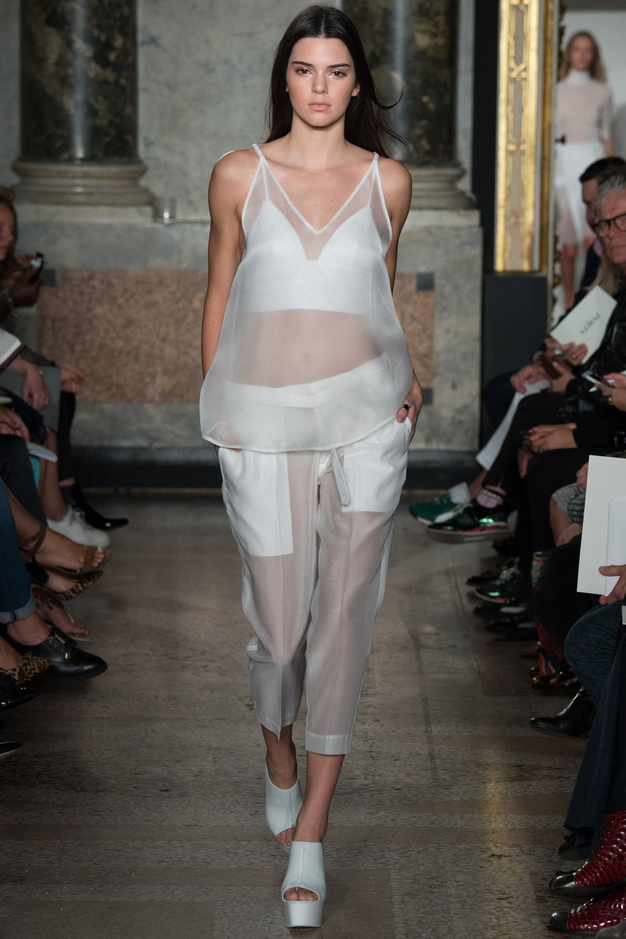 Kendall Jenner Closes Milan Fashion Week At Dolce And