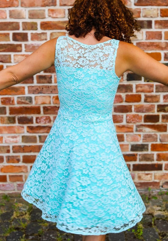 Kleid Aus Spitze Für Eine Hochzeit Nähen  Ella Von