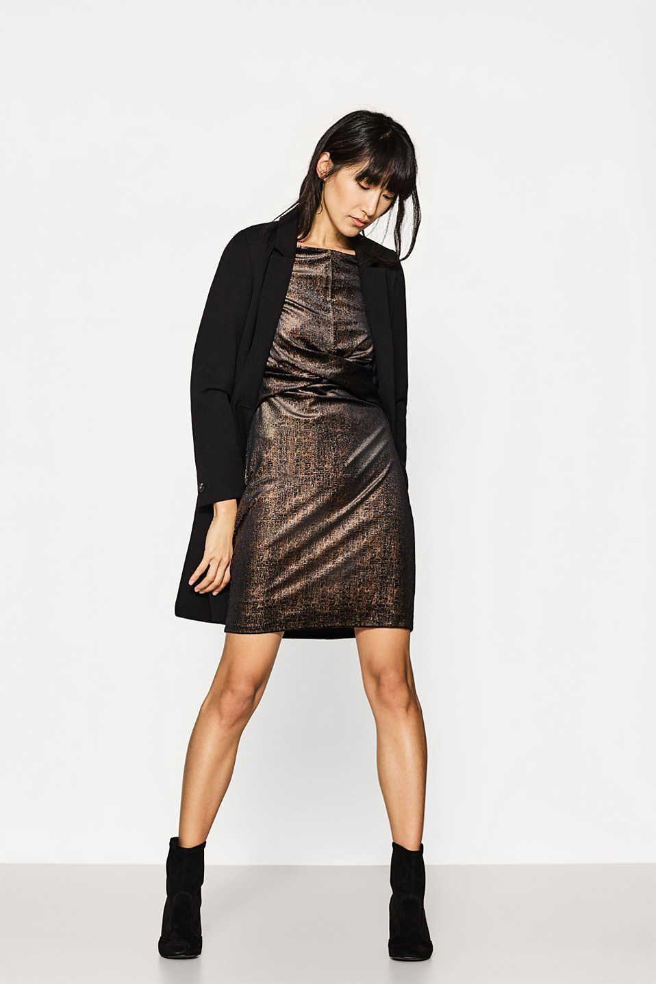 Kleid Aus Stretchsamt Mit Glanzfinish  Modestil Mode