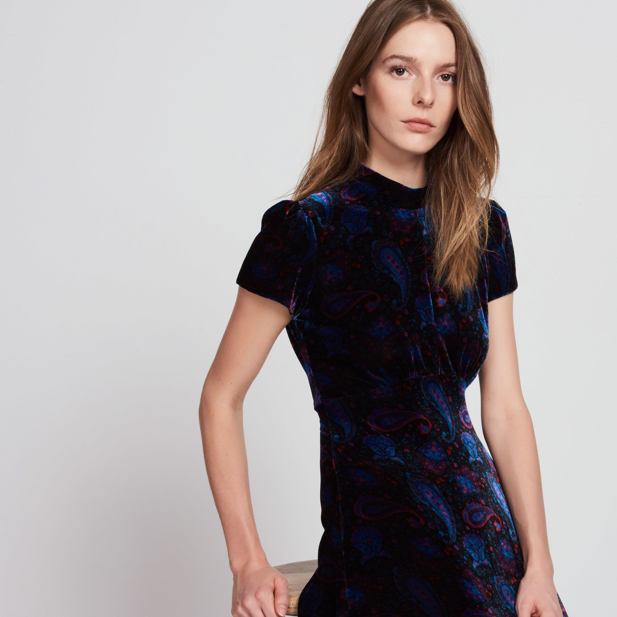 Kleid Aus Velours Mit Kaschmirdruck  Kleider  Sandro