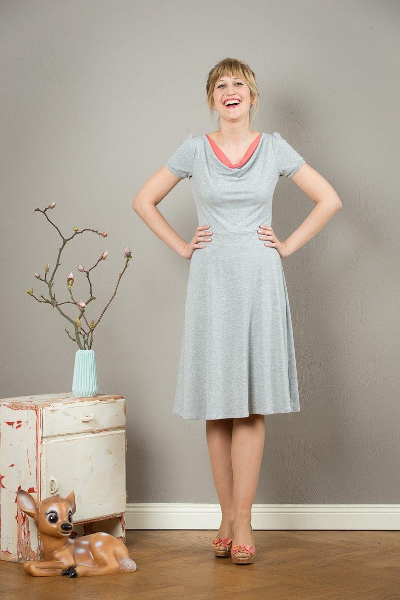 Kleid Ava Mit Einem Wasserfallausschnitt  Etsy