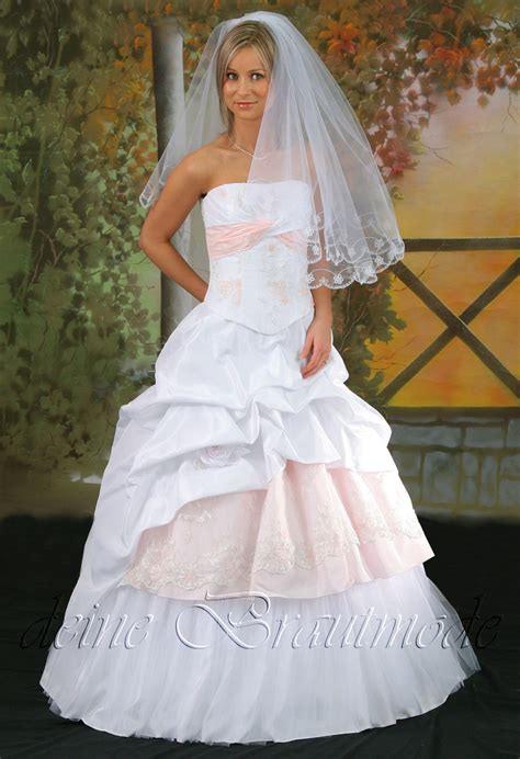 Kleid Bordeaux Hochzeit  Entdecke Die Aktuellen Kleider
