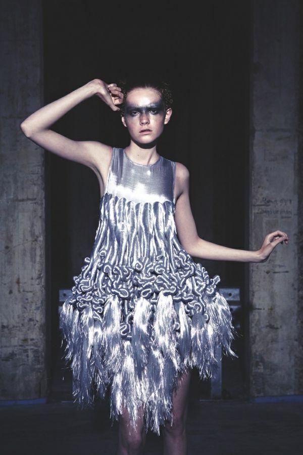 Kleid In Silber  Hochmoderne Glanzvolle Abendkleider Für