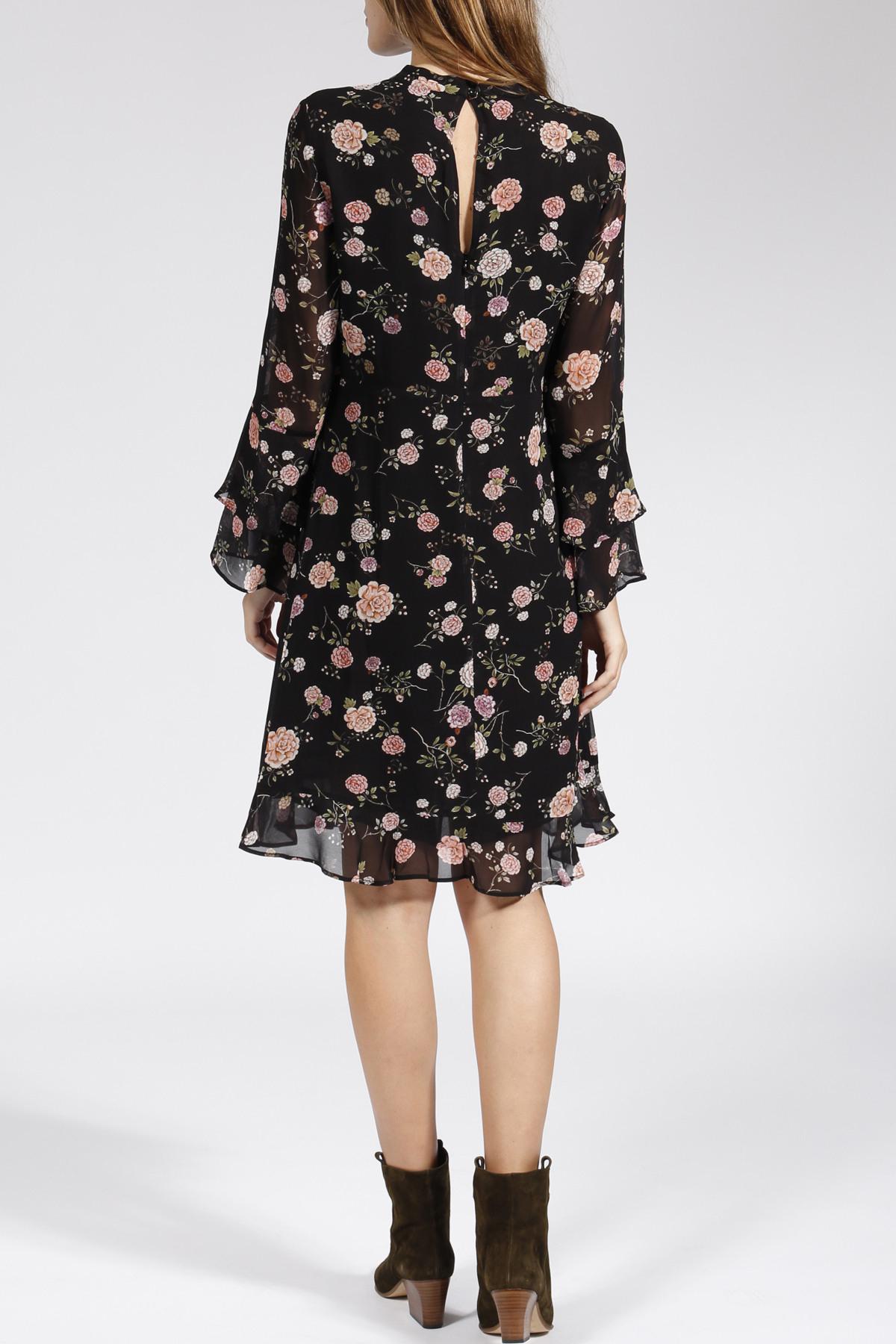 Kleid Mit Floralem Muster Schwarz  Jadicted  Myclassico