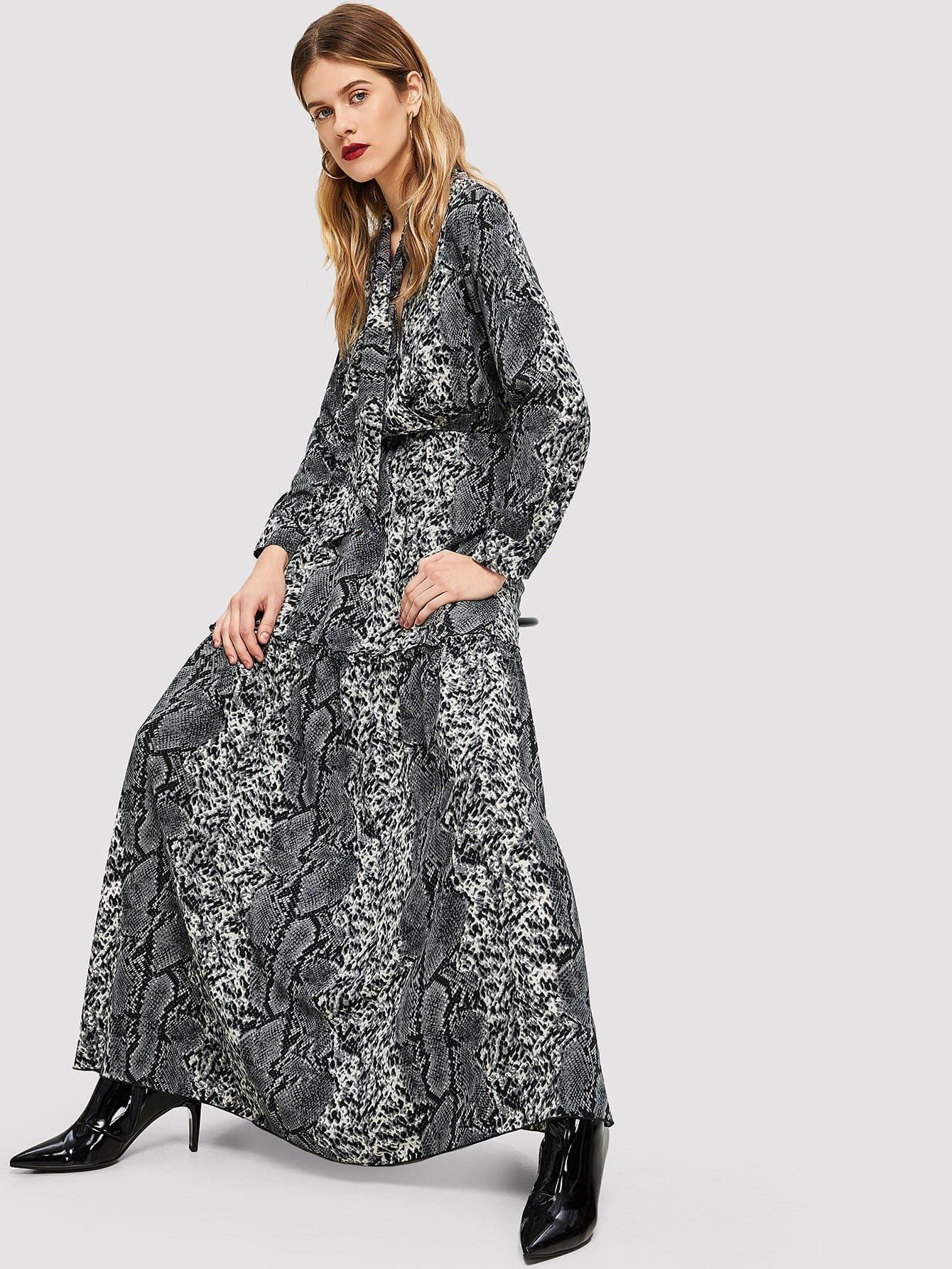 Kleid Mit Schlangenmuster Und Schleife Am Kragen  Shein
