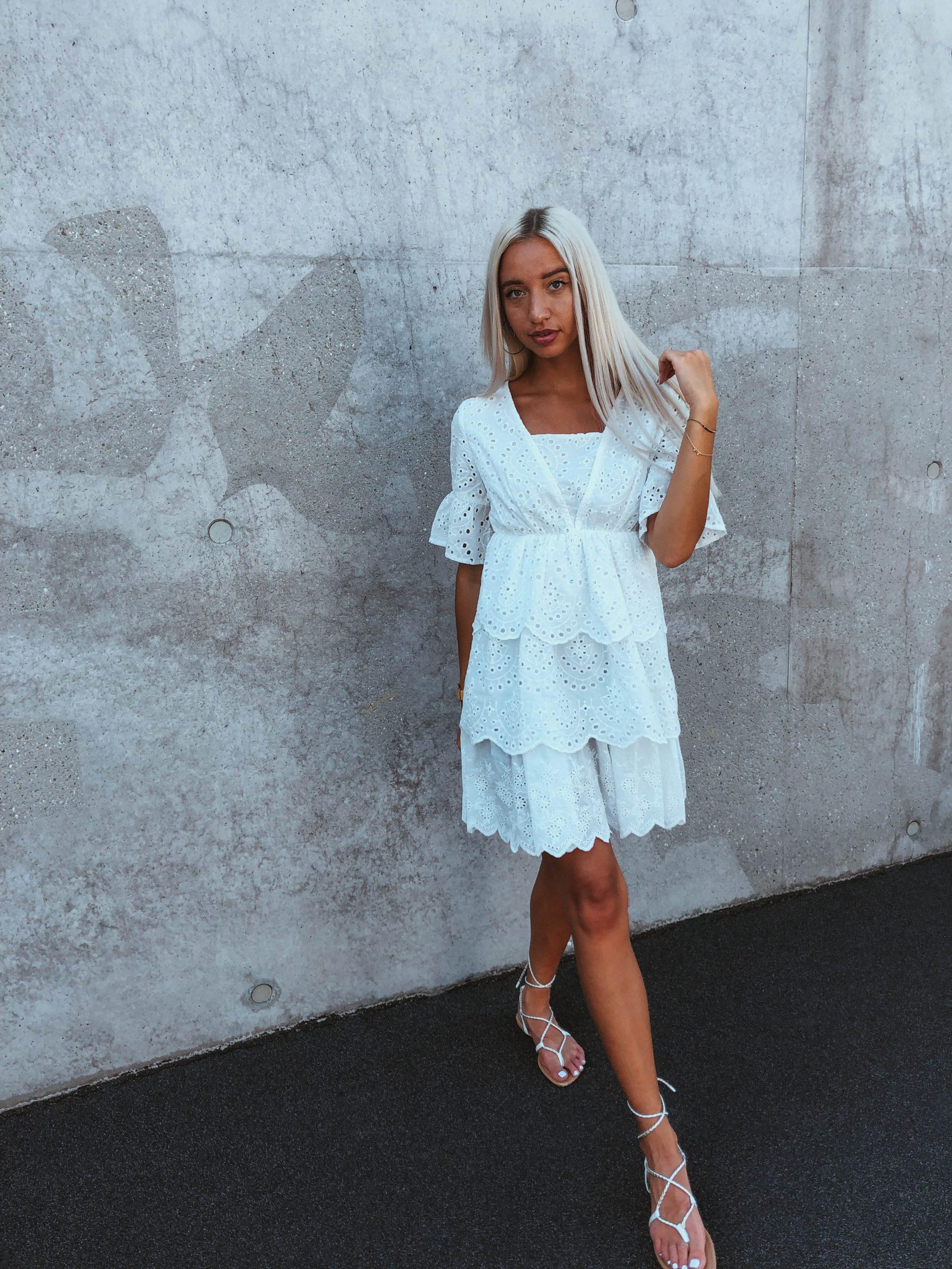 Kleid Mit Stickerei  Dia Fashion