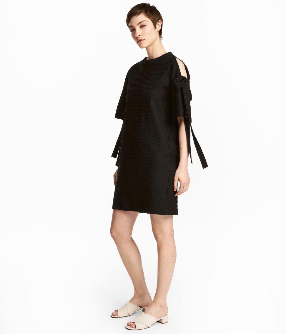 Kleid Mit Strukturmuster  Schwarz  Damen  Hm De  Mode