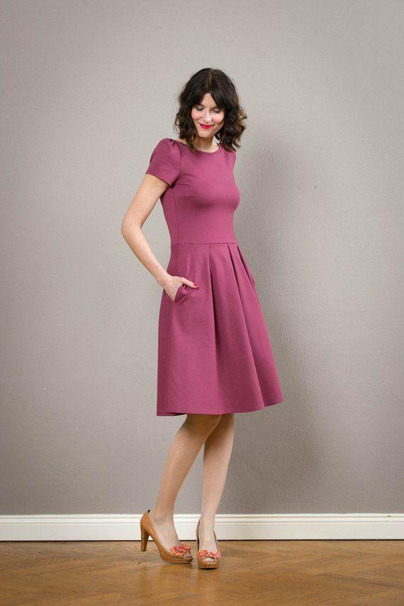 Kleid Valerie Mit Rückenausschnitt Und Faltenrock In