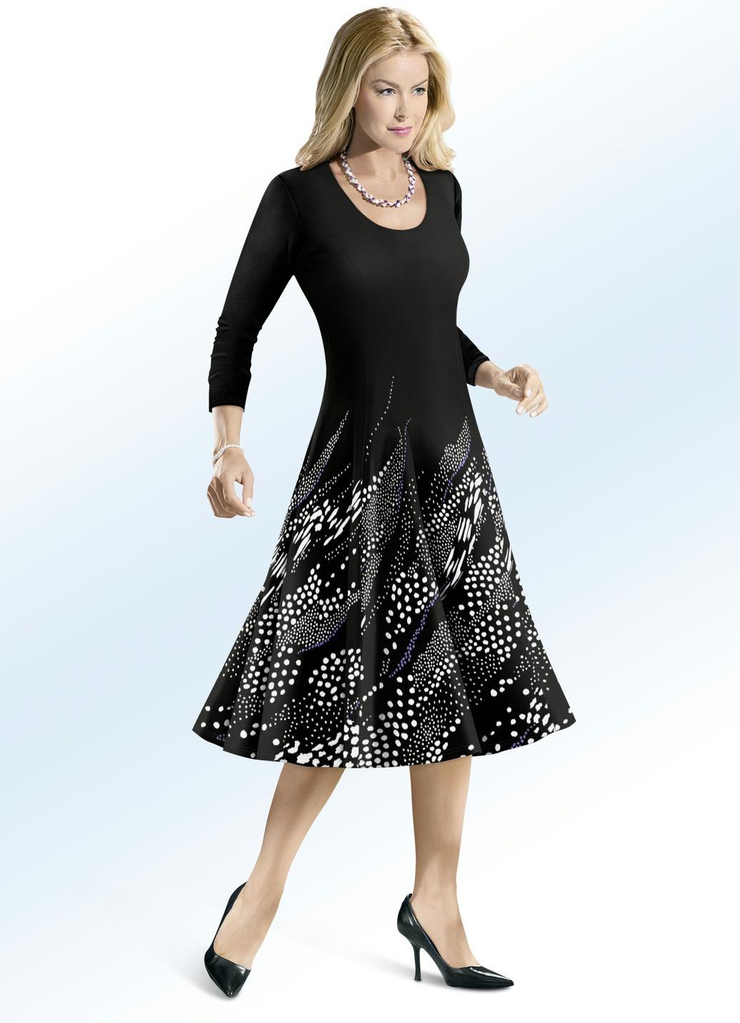 Kleid Von Elena Eden In Schwingender Schlupfform  Mode