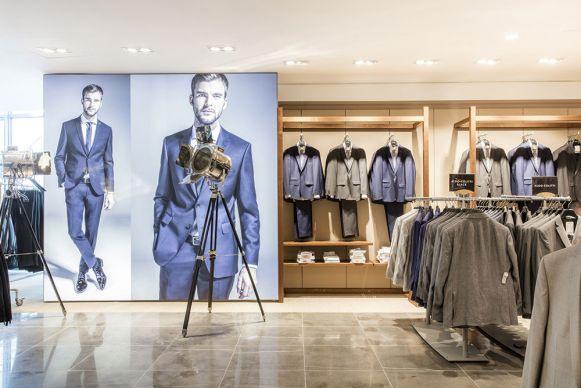 Kleider Bauer Kremser Store Umgebaut