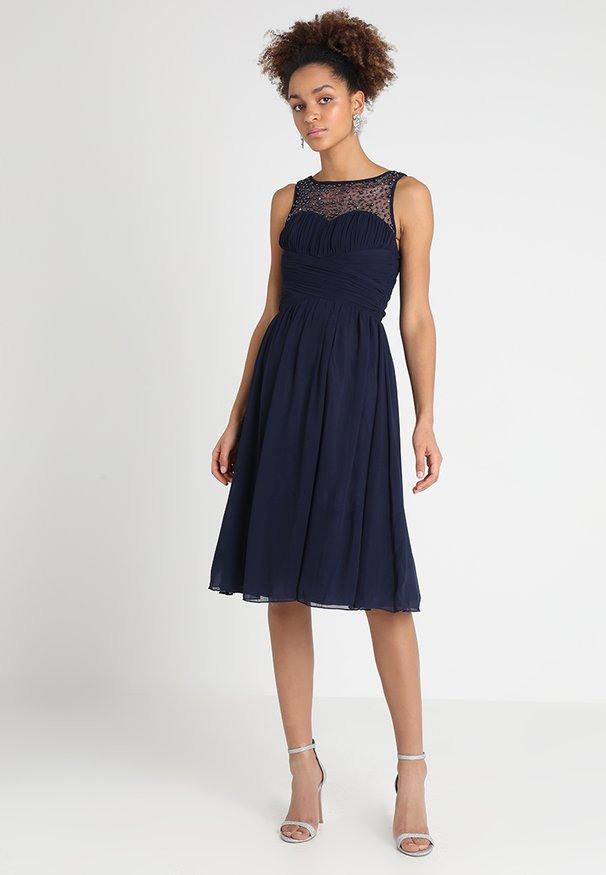 Kleider Online Kaufen  Entdecke Dein Neues Kleid Bei Zalando