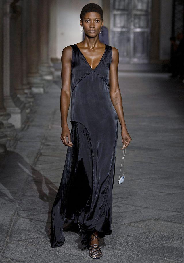Kleidertrend Im Frühling 2020 So Chic Sind Minimal Dresses