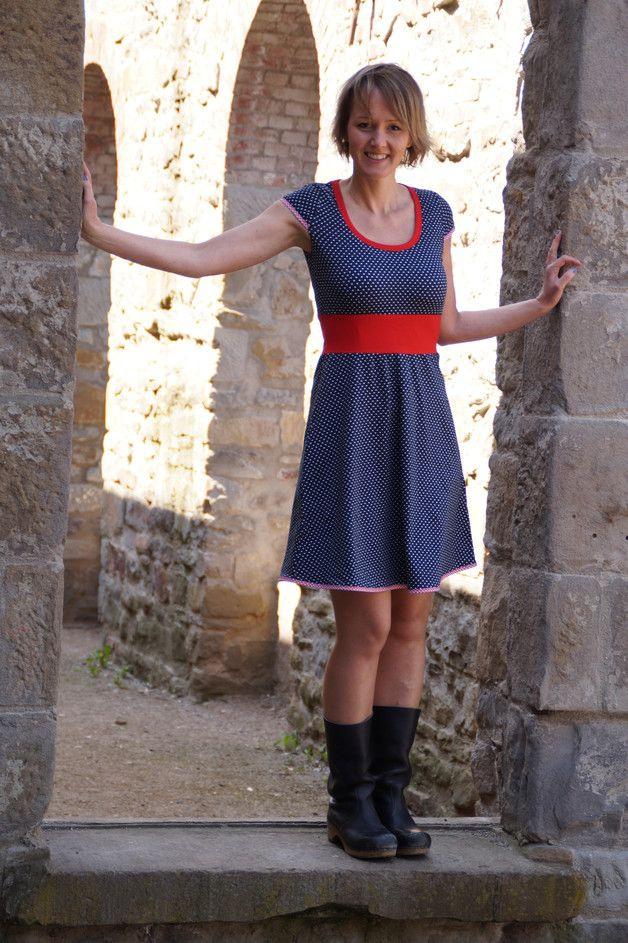 Knielange Kleider  Maritimes Jerseykleid Angelika  Ein