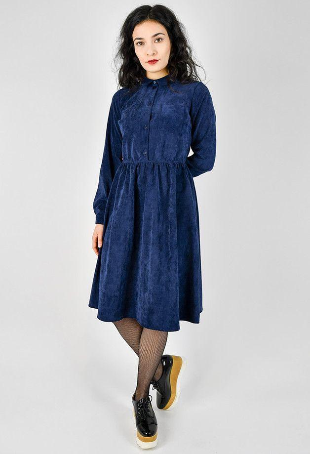 Knielanges Kleid Aus Cord Langärmeliges Cordkleid In