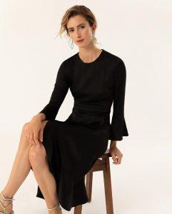 Knielanges Kleid Mit Volants  Knielanges Kleid Kleid Mit
