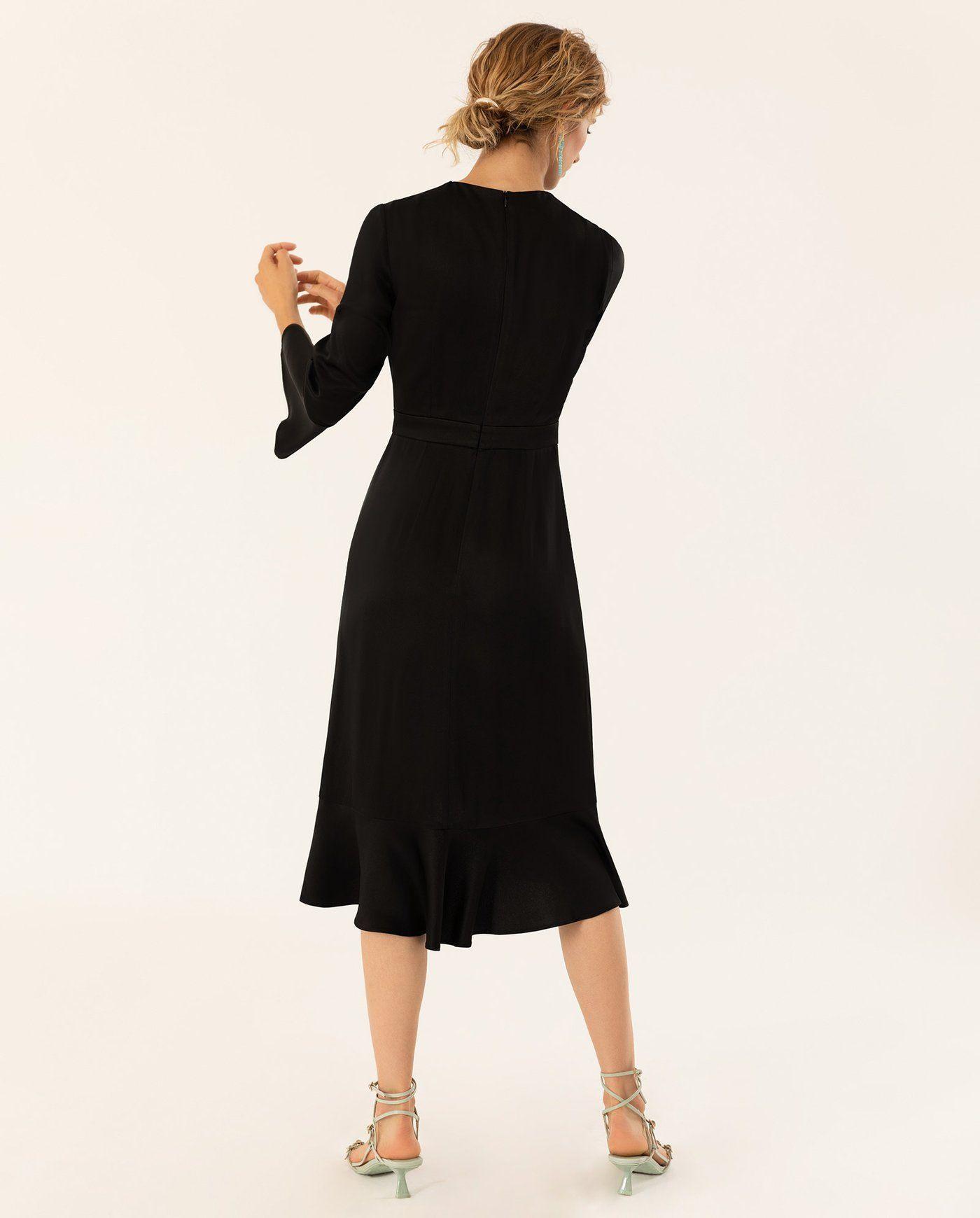 Knielanges Kleid Mit Volants Mit Bildern  Knielanges