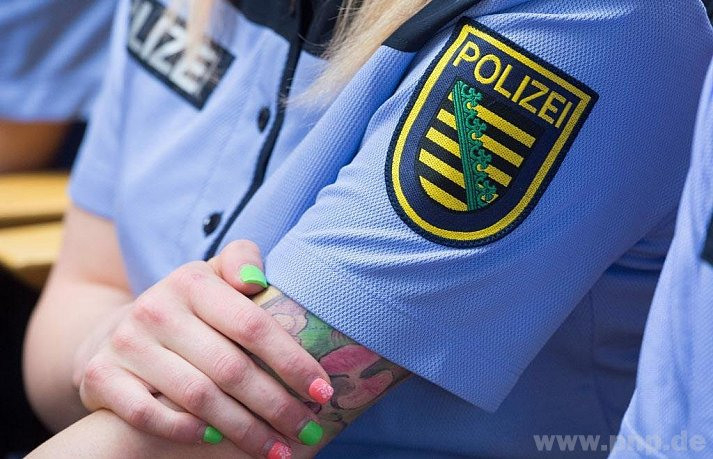 Körperschmuck Bei Polizisten In Bayern Sind Die Regeln