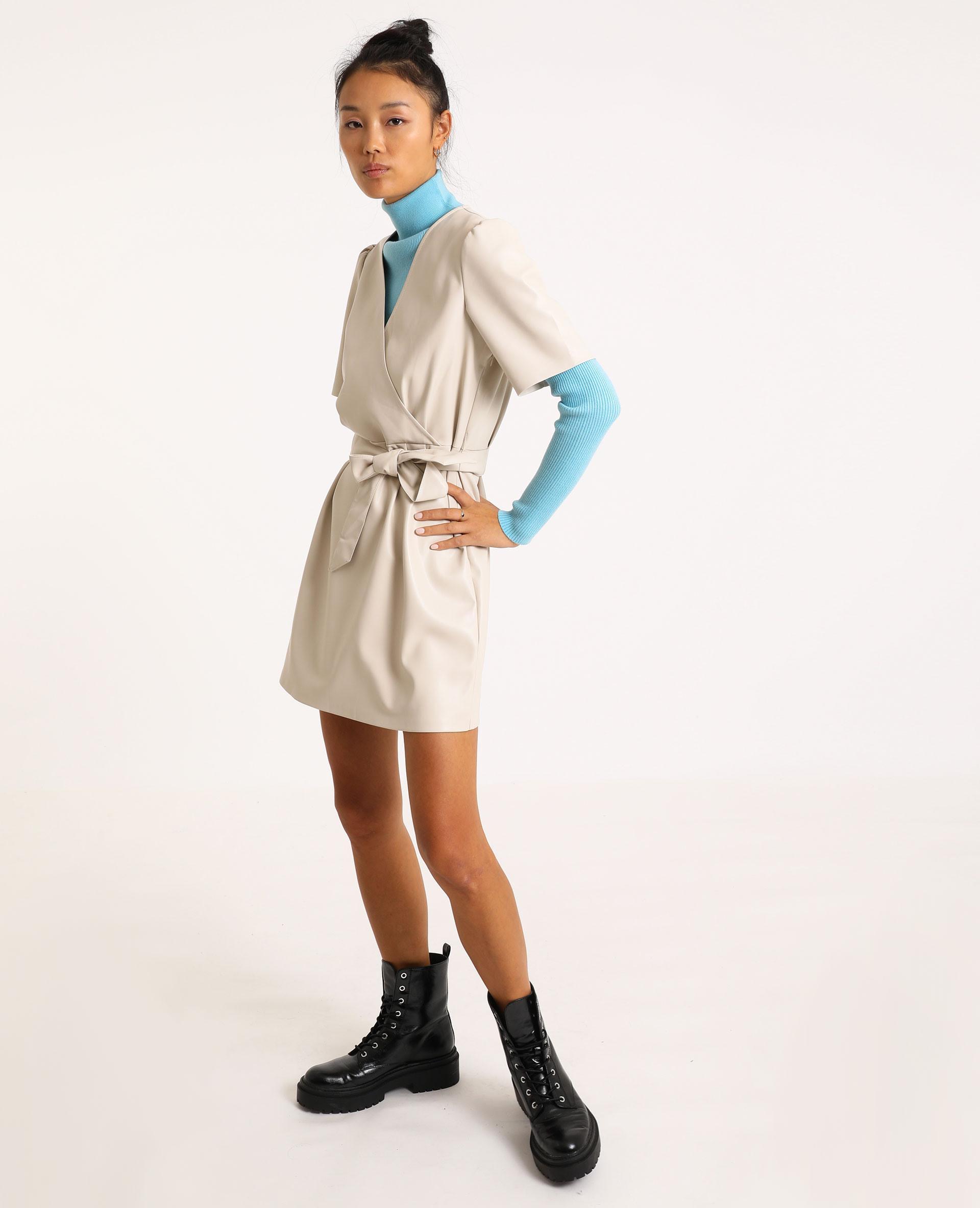 Kurzes Kleid Aus Lederimitat Beige -30% - 781492E23A0E