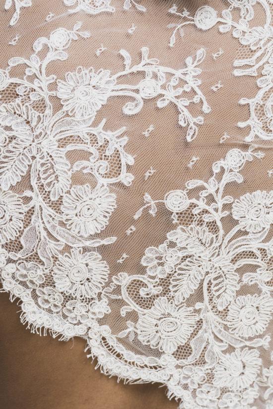 L Zervakis  Kleider Machen Bräute  Brautkleid