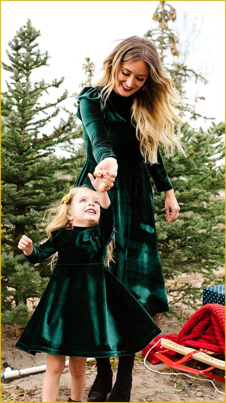 La La Lady Dress In Emerald  Weihnachtsgarderobe Mutter