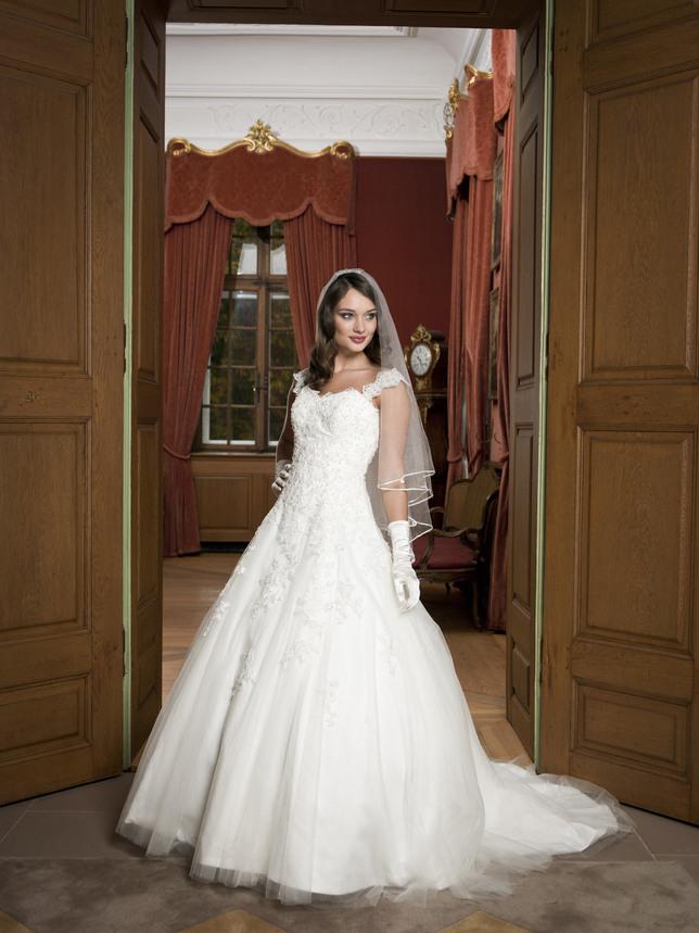 Lagerverkauf Hochzeitskleid Massanzüge  Masshemden Bern