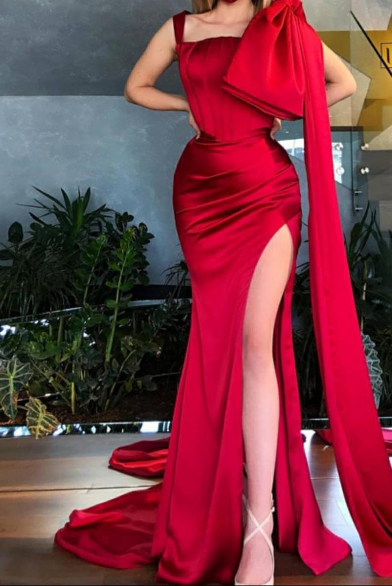 Lange Rote Frauen Partei Kleid Mit Umhang Hochzeit Empfang