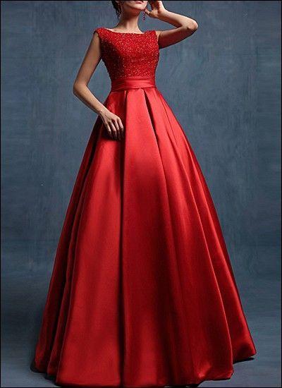 Langes Dunkelrotes Kleid