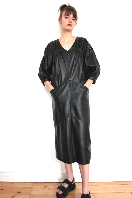 Lederkleid In 2020  Kleider Leder Vintage Dirndl