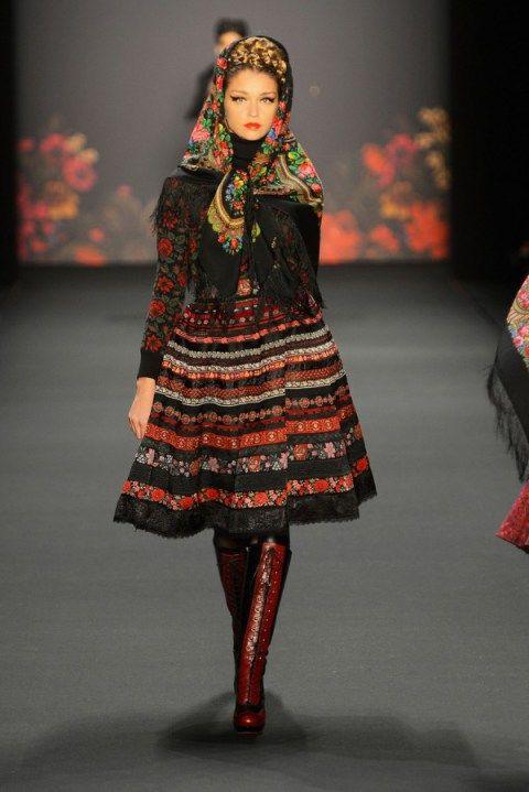 Lena Hoschek  F/W 2013/14 Berlin Fashion Week Mit