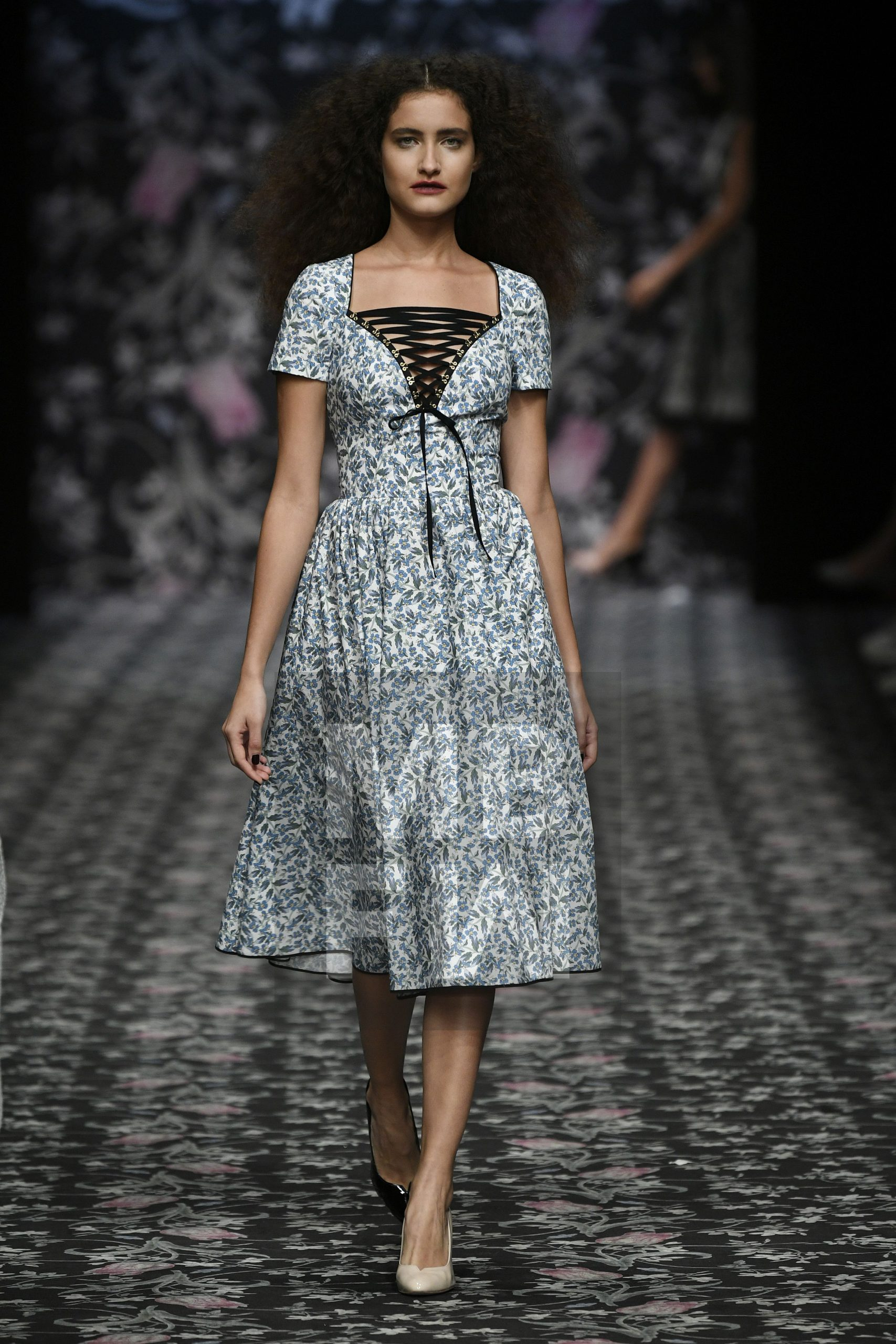 Lena Hoschek  Mbfw  Feminine Mode Mode Wunderschöne