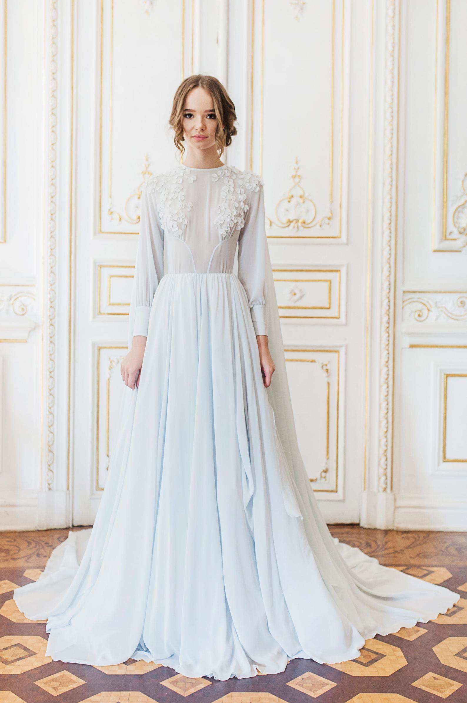 Lila Kap Hochzeitskleid Mit Handgeschnittener