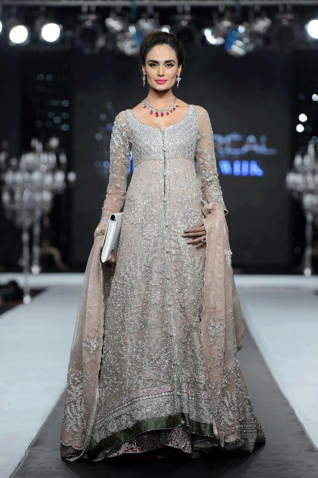 Love Love Love  Pakistanische Brautkleider Pakistanische