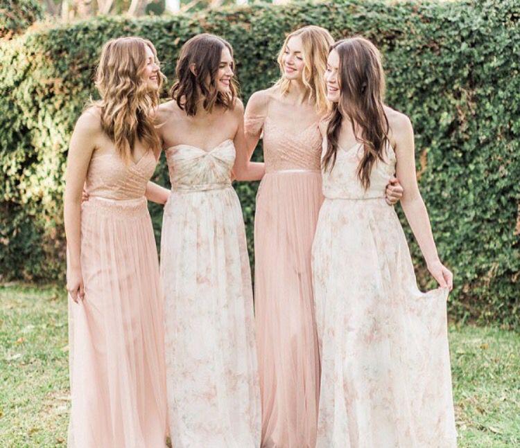 Love The Simplicity Of These Dresses  Brautjungfern