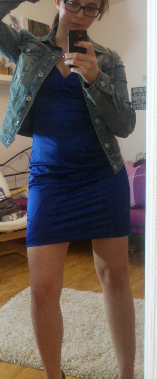 Lucciola Outfit Royalblaues Kleid Und Jeansjacke