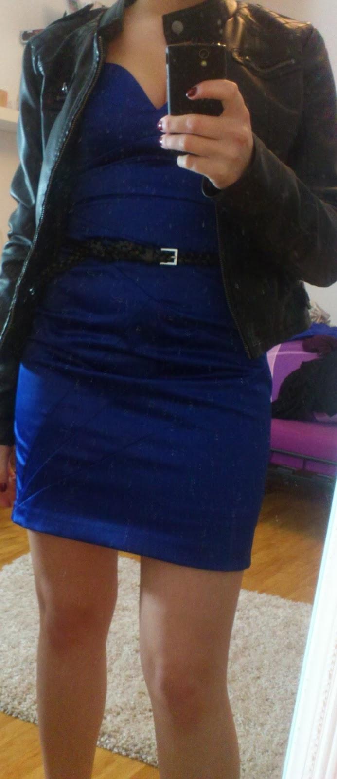 Lucciola Outfit Royalblaues Kleid Und Lederjacke