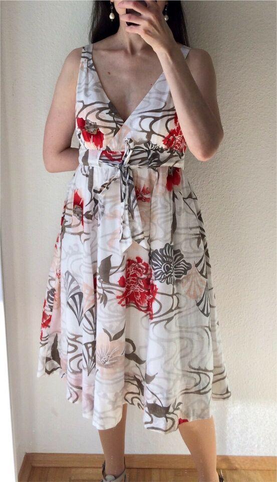 Mexx Kleid Mit Weitem Rock 34 Blumen Beige Rot Rockabilly
