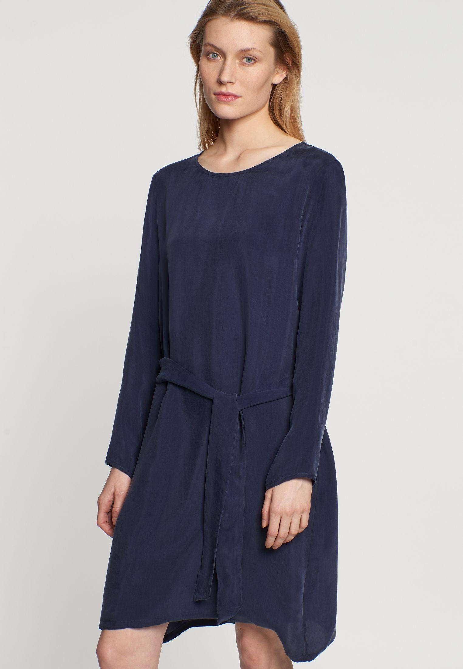 Midi Kleid Aus Rayonmischung  Kleider Seide Und