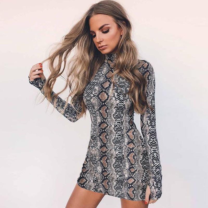 Mini Langarm Kleid Mit Schlangenmuster  Swaggy