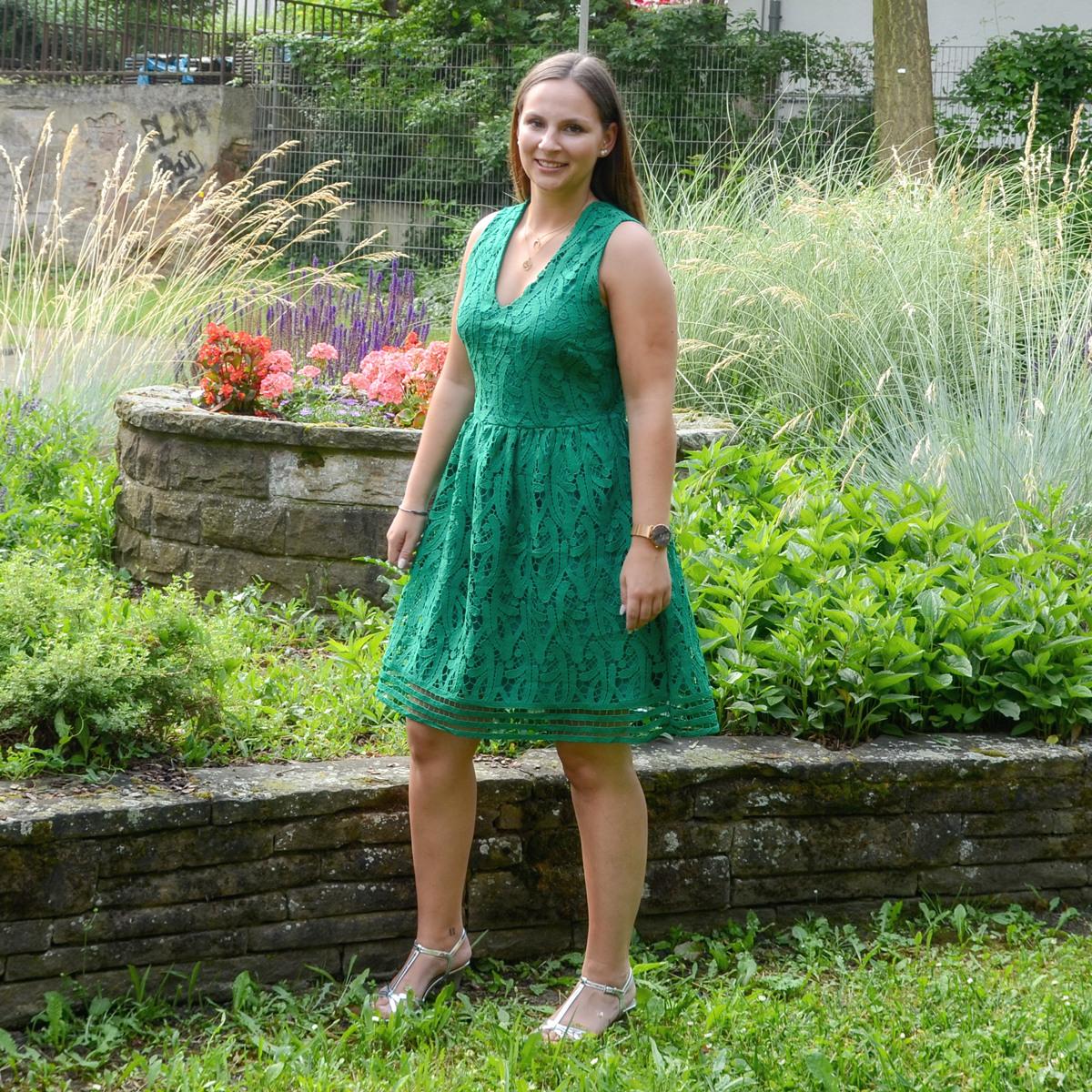Mode Jost  Damenkleider Trends Sommer 2018