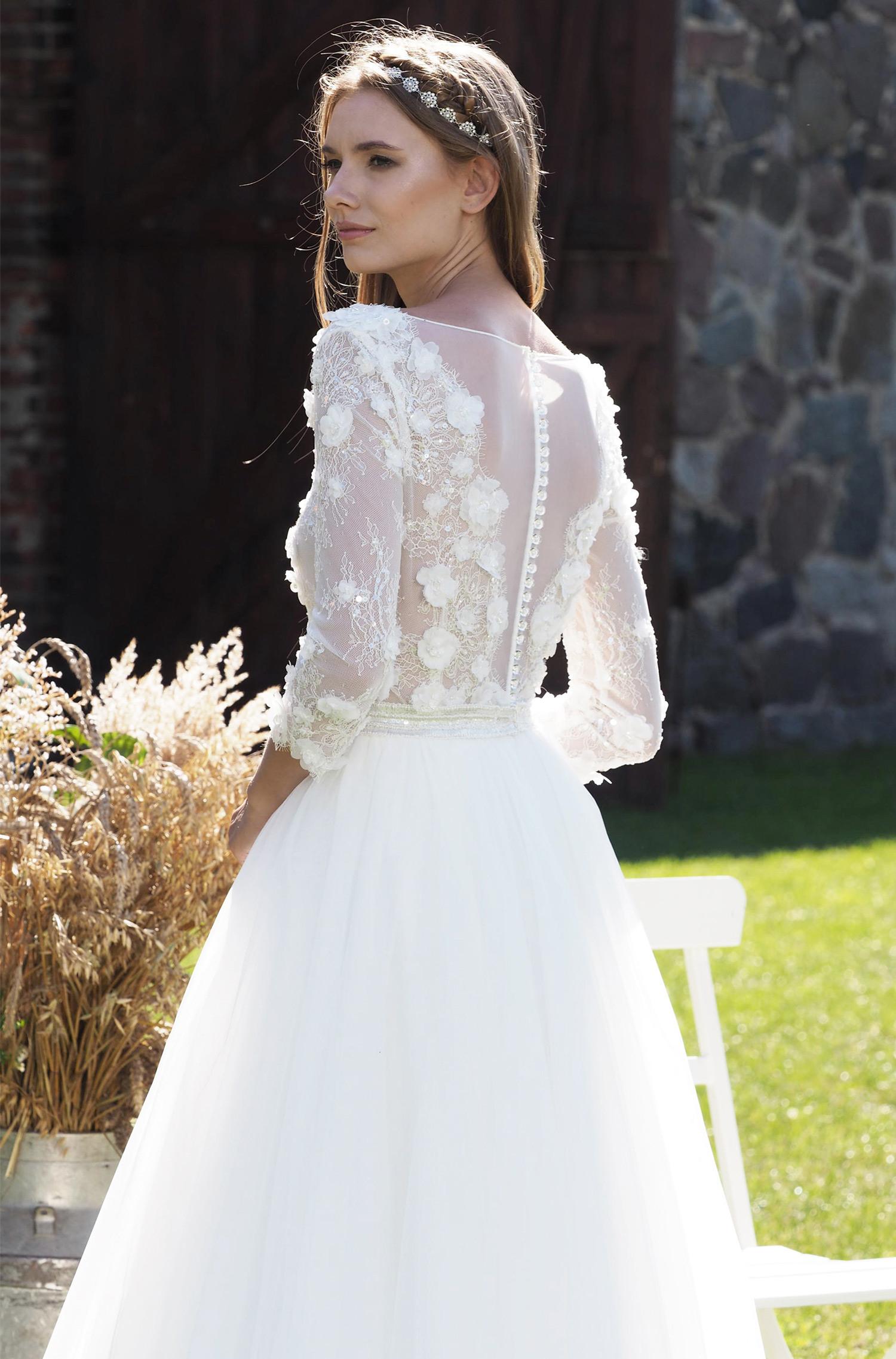 Modell Bella 830  Silk  Lace Hochzeitskleider