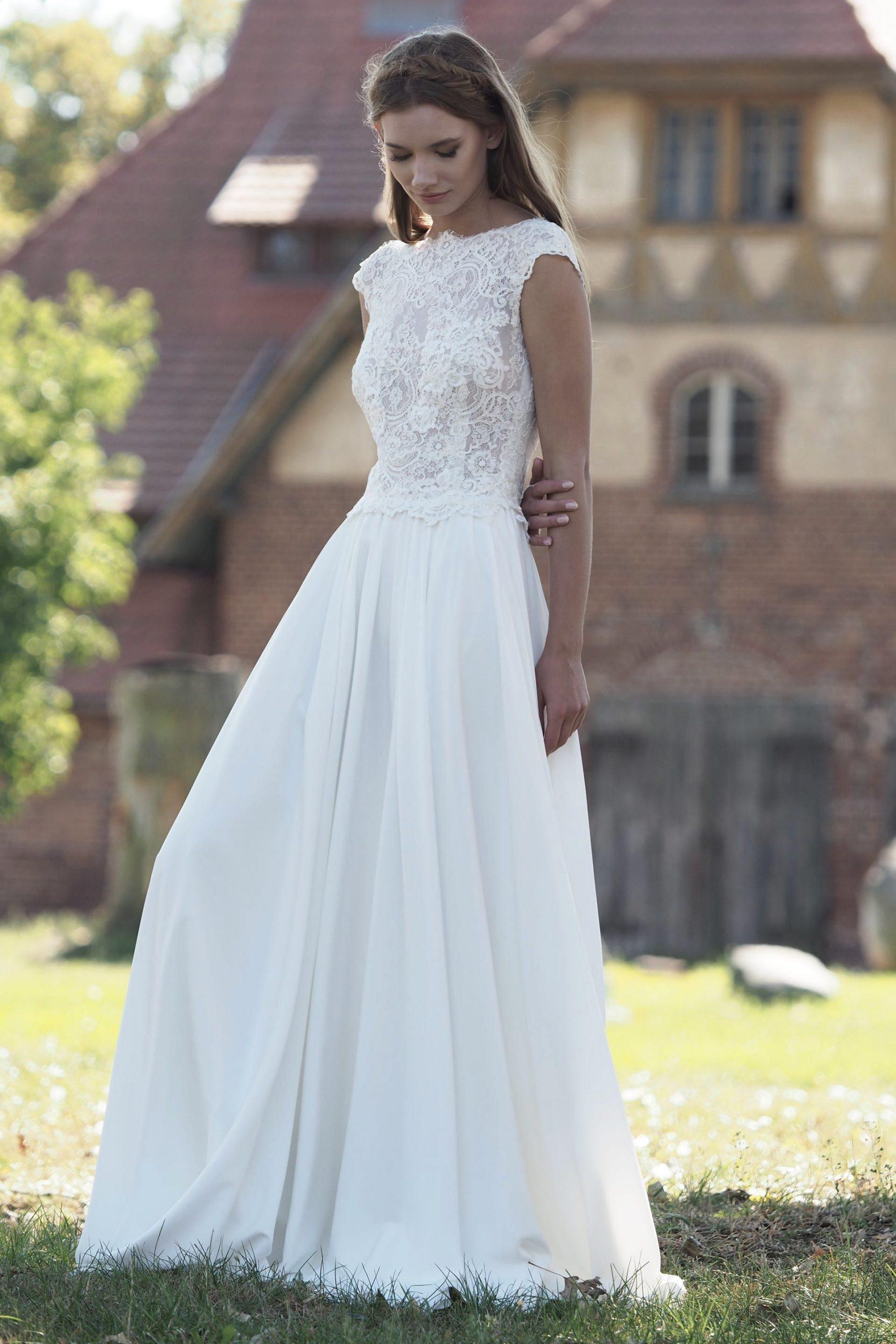 Modell Kira 827  Silk  Lace Hochzeitskleider Wir
