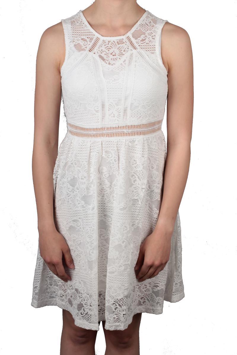 Modisches Kleid Aus Der Kollektion Von Hailys In Offwhite