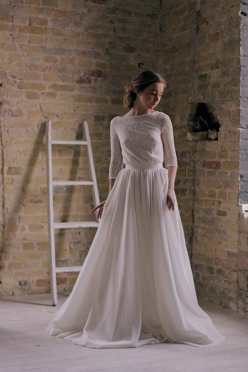 Offweiß Bescheidenes Hochzeitskleid Mit 3/4 Ärmel Spitze