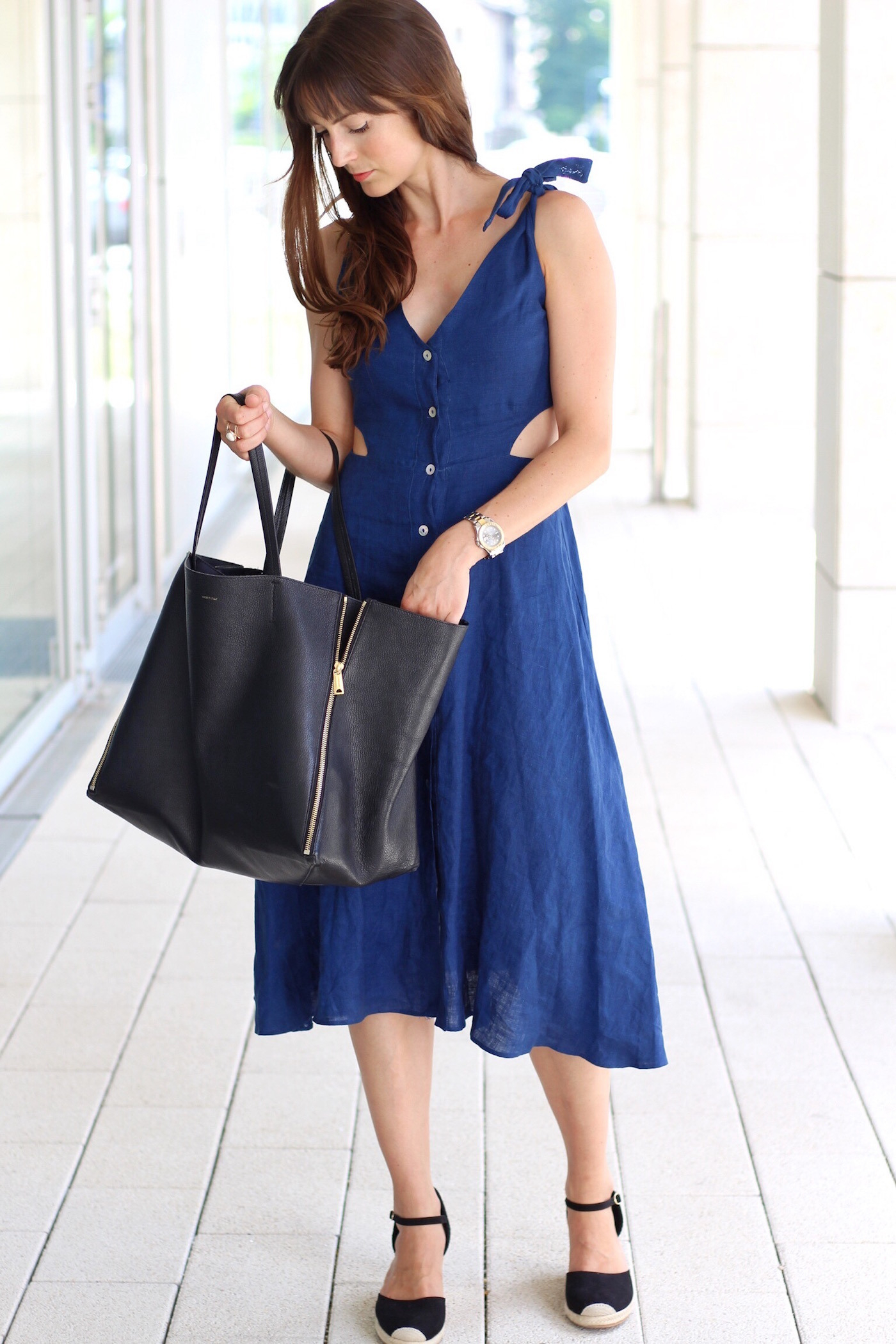 Outfit Zara Cutout Midikleid Céline Cabas Bag Und