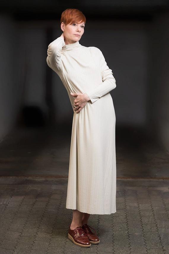 Oversized Kleid Mit Rollkragen Beige Kleid Strickkleid